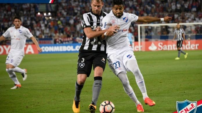 Aguirre é marcado por Carli na vitória do Botafogo sobre o Nacional, por 2 a 0, pela Libertadores de 2017