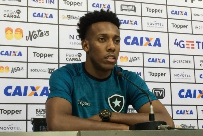 Moisés vem tendo começo positivo no Botafogo