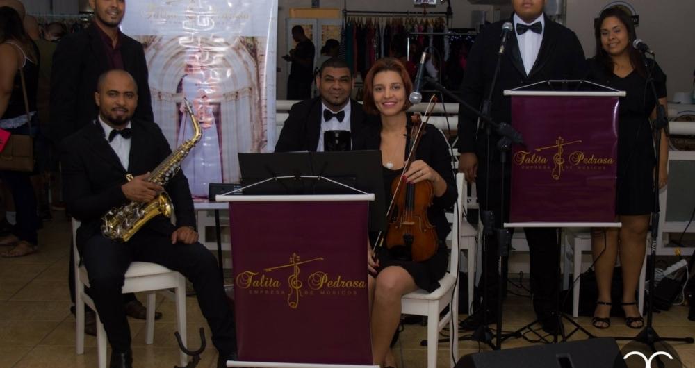 A violinista Talita Pedrosa � uma das atra��es musicais do evento