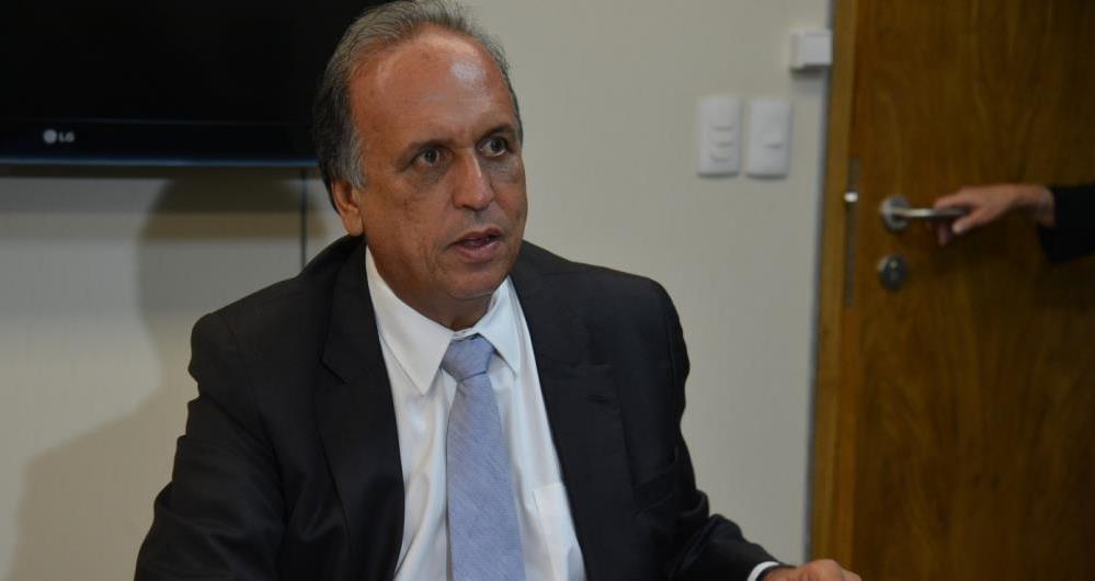 Luiz Fernando Pez�o