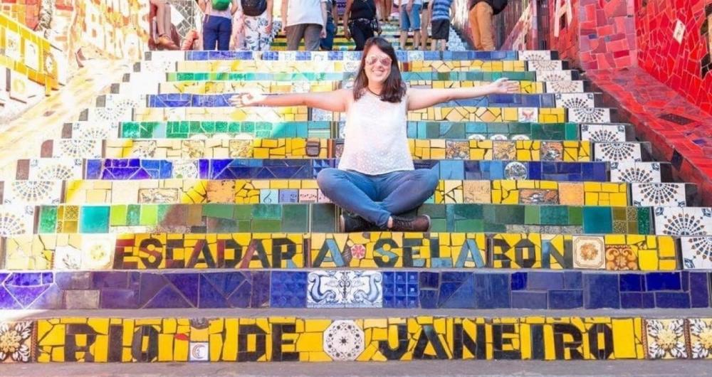 Karilayn Areias na Escadaria Selar�n, na Lapa