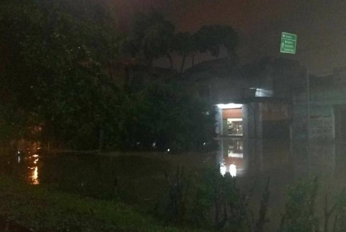 Macaé tem enchente e destruição