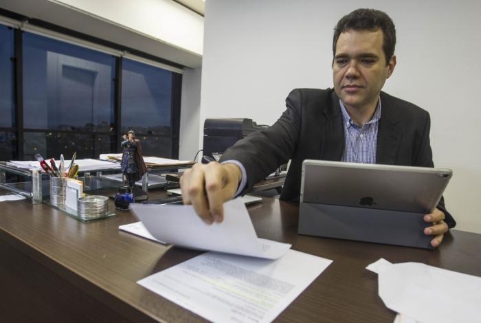 Secretário Paulo Messina condiciona a correção salarial de servidores e a antecipação do 13º ao resultado da arrecadação