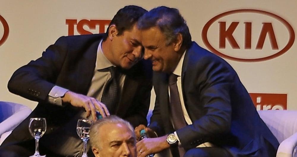 Moro conversa com o senador A�cio Neves em premia��o em 2016