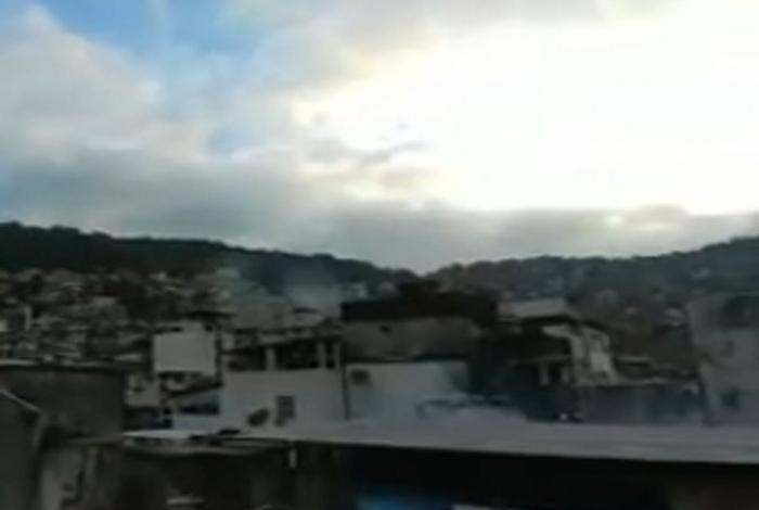 Troca de tiros aconteceu depois que policiais militares foram recebidos a tiros no Largo do Boiadeiro