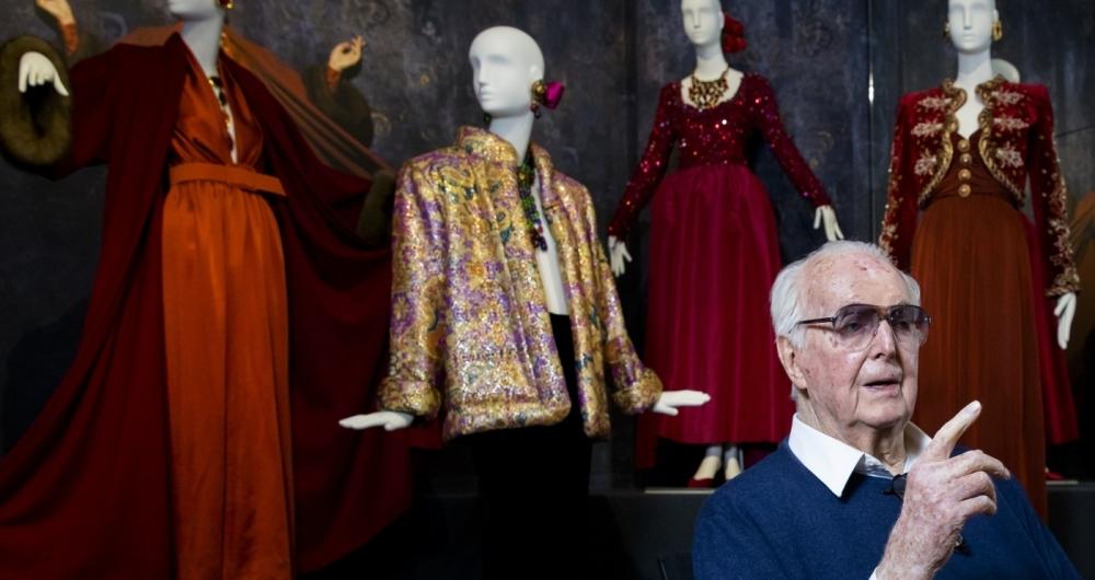 Hubert de Givenchy, lenda da alta-costura francesa, morre aos 91 anos