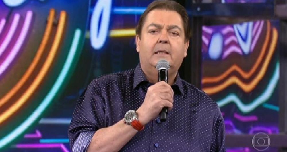 Faust�o critica governantes e diz que n�o cantar� mais tema de final de ano da Globo