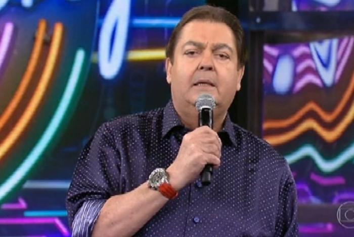 Faustão critica governantes e diz que não cantará mais tema de final de ano da Globo