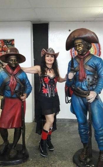 A cantora Claudete Alves dos Santos, a Diva, do Maranh�o