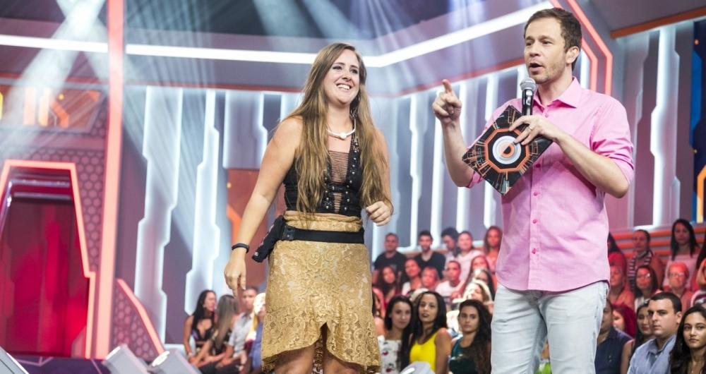 Patr�cia com Tiago Leifert logo ap�s ser eliminada do reality da Globo