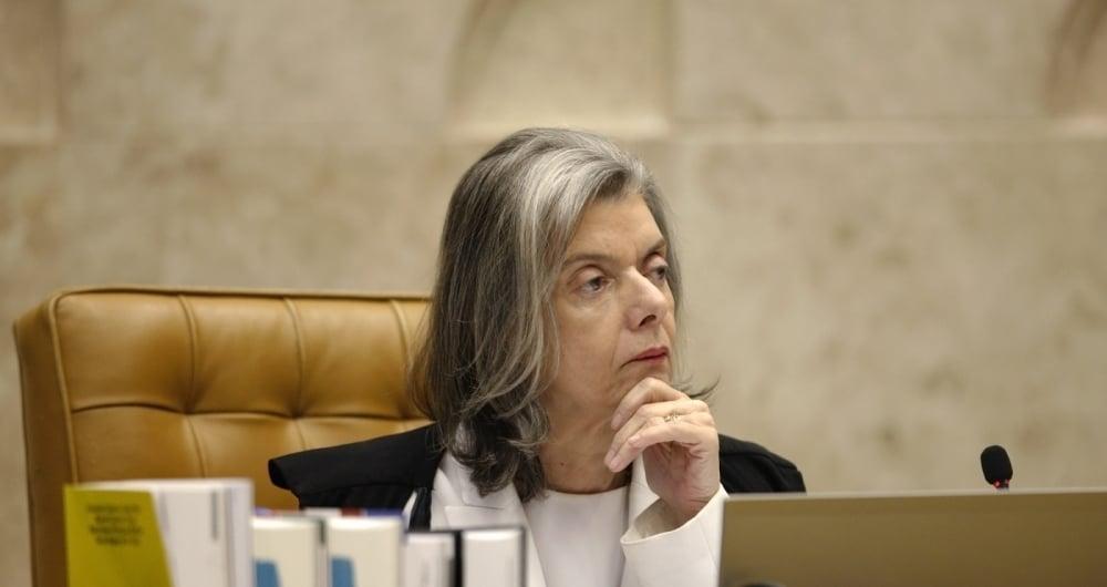 'Simplesmente n�o me submeto a press�o', disse a ministra C�rmen L�cia sobre pedidos para reavaliar a pris�o ap�s condena��o em segunda inst�ncia.