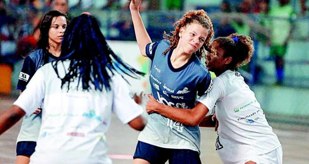 No ano passado, equipe de Mag� foi campe� no handebol feminino sub-17 e Nova Igua�u no sub-14