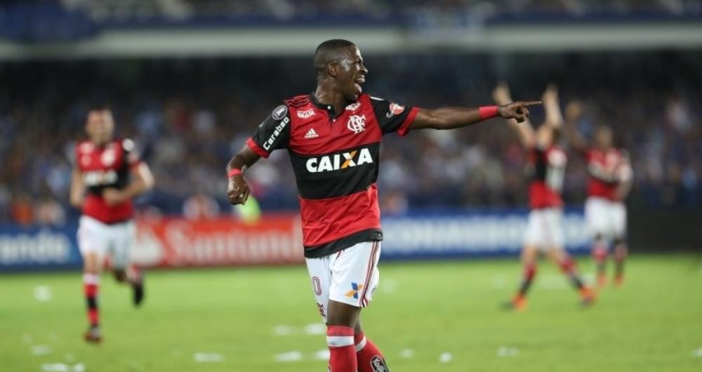 Vinicius Jr. foi o destaque da partida contra o Emelec