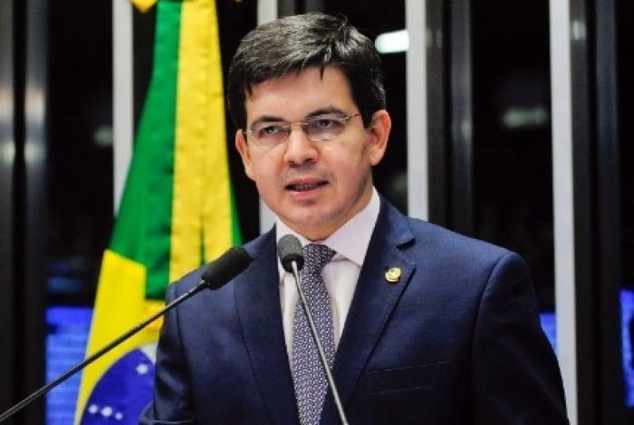 Randolfe Rodrigues (Rede-AP) relatou à presidência do Senado ter sido alvo de ataques