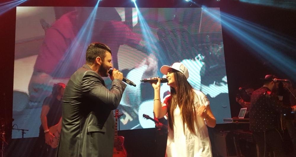 Gusttavo Lima e Karen K no Villa Mix