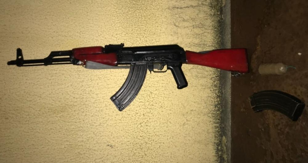 Policiais do Bope apreenderam fuzil no Complexo do Alem�o.