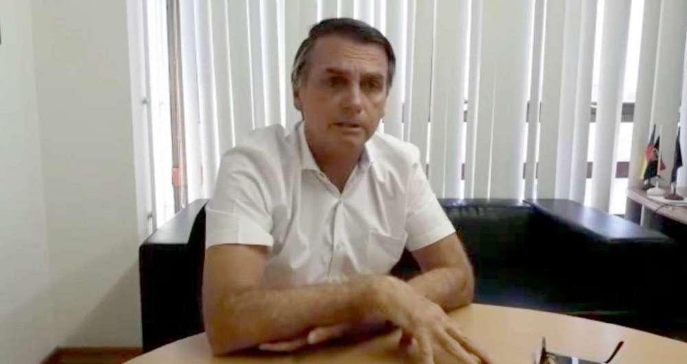 Bolsonaro oferece vaga de vice na chapa ao PR e enfrenta resistência