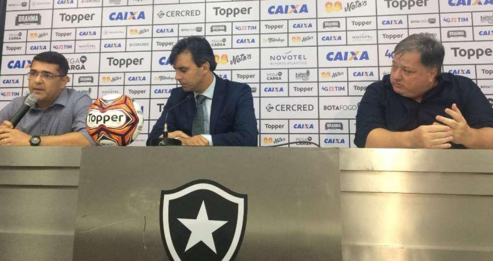 Botafogo entrou com representa��o contra o �rbitro