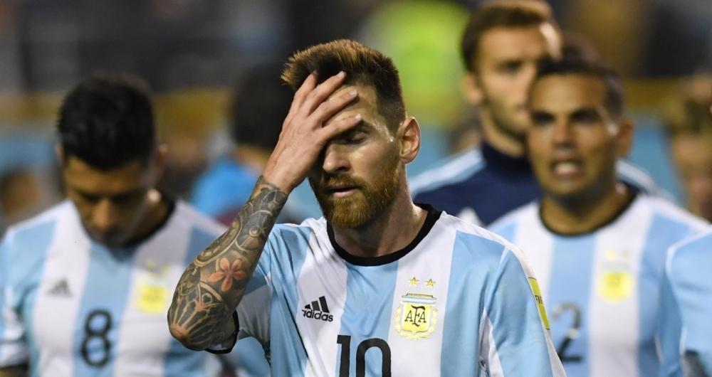 e9c0b35251 AFA divulga escalação sem Messi e astro poderá voltar a desfalcar ...