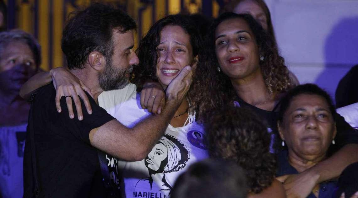 Marcelo Freixo (Psol); Mônica Benício, companheira de Marielle Franco, e familiares da vereadora