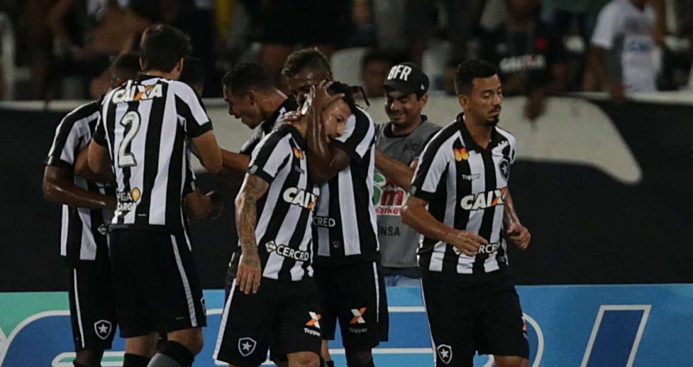 Botafogo venceu o Vasco e se classificou para a final da Taça Rio b42ee3b9e4dde
