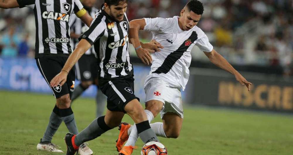 ef2ddaded6 Jornal Italiano se rende a talento de Paulinho e faz elogios   Novo ...