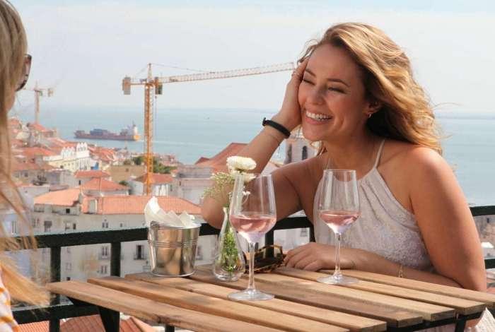 Paolla Oliveira grava em Portugal o filme 'Alguém como eu'