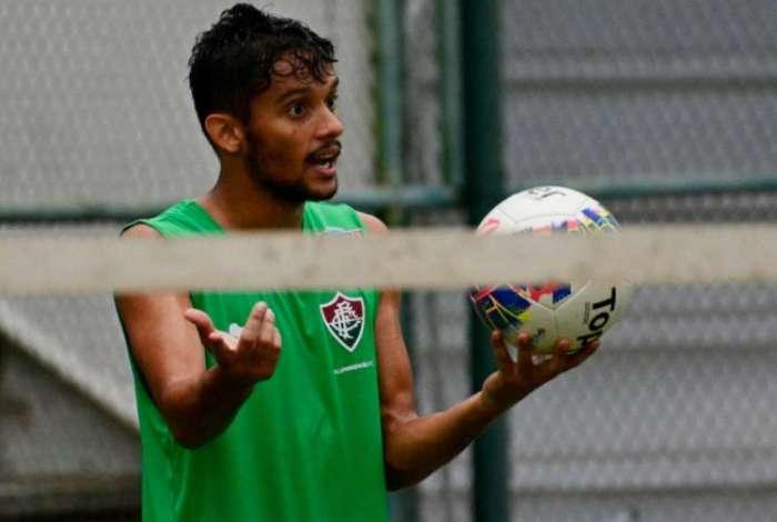 Fluminense e Scarpa estão se enfrentando judicialmente