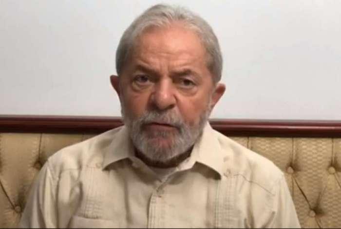 Ônibus da caravana de Lula foram atingidos por tiros