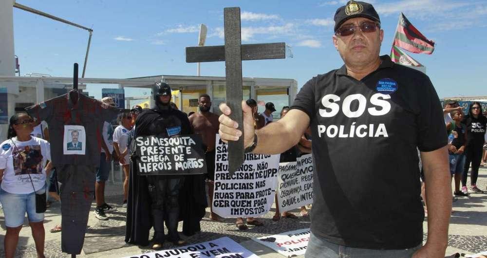 O policial Djair Ferreira levou 11 tiros e hoje é dado como inválido