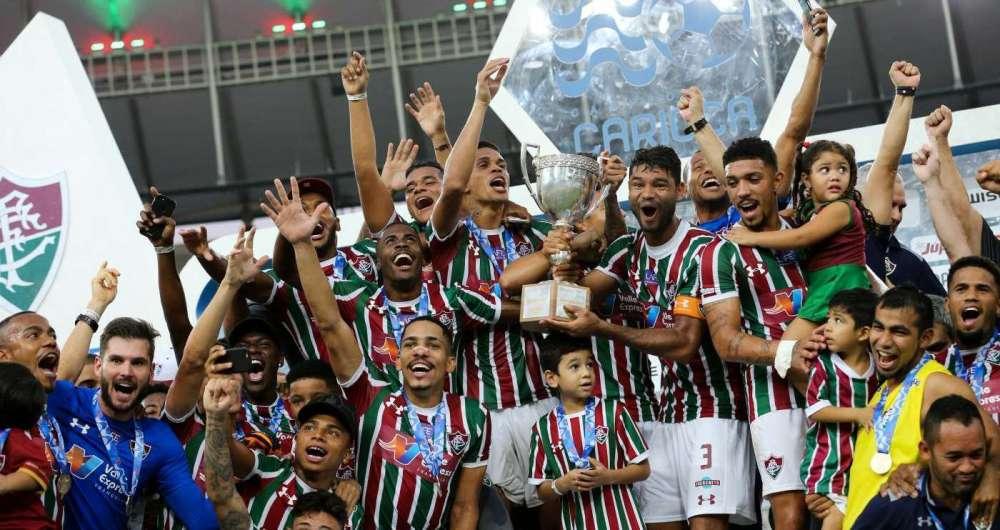 Jogadores do Fluminense comemoram título