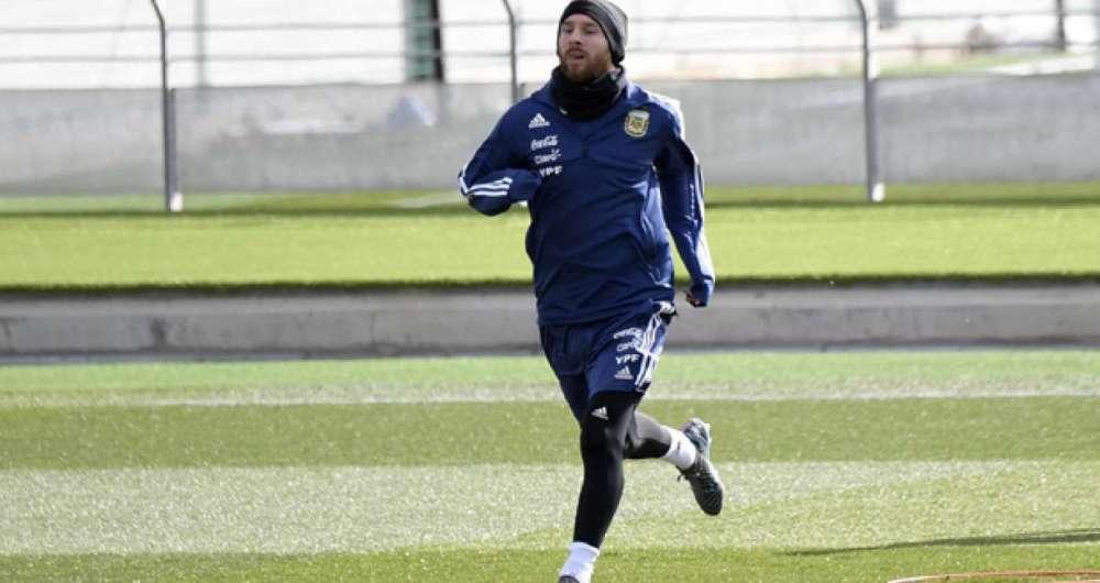 Messi deve enfrentar a Espanha na ter�a-feira