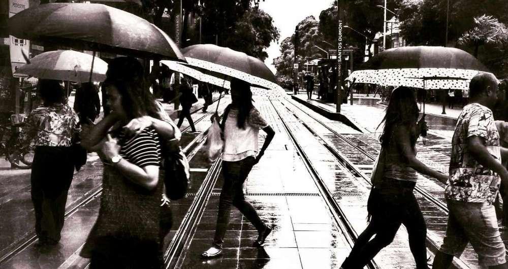 Um dia de chuva no VLT foi o destaque na regi�o central do Rio