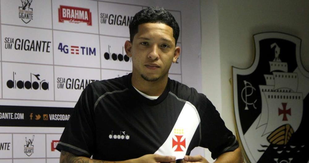 c21a02b71e Vasco anuncia contratação de novo meio-campo