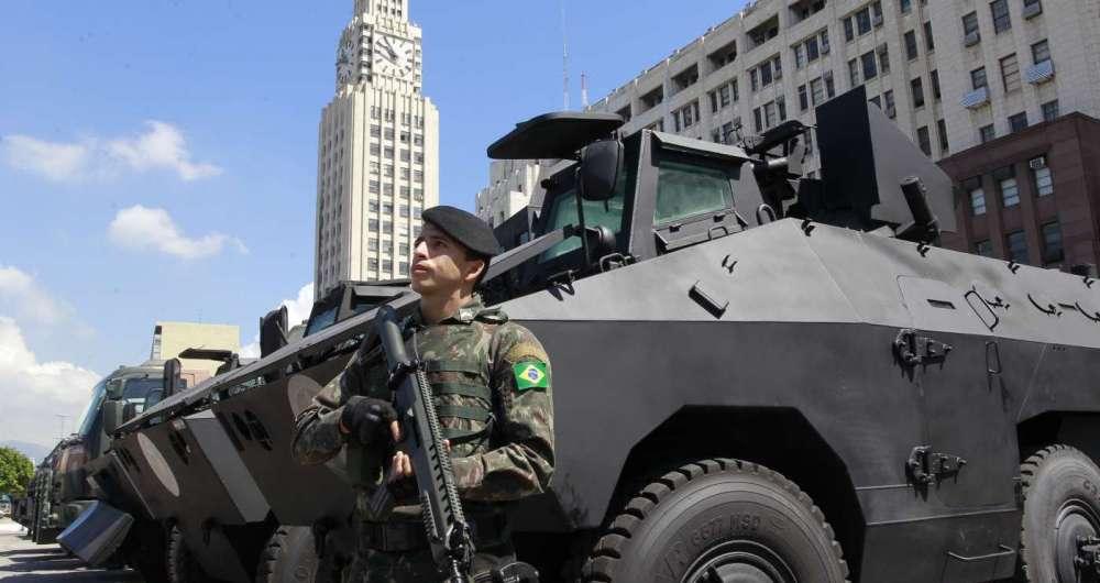 Blindados urutus doados pelo Exército Brasileiro e outros três usados pela Core que foram reformados