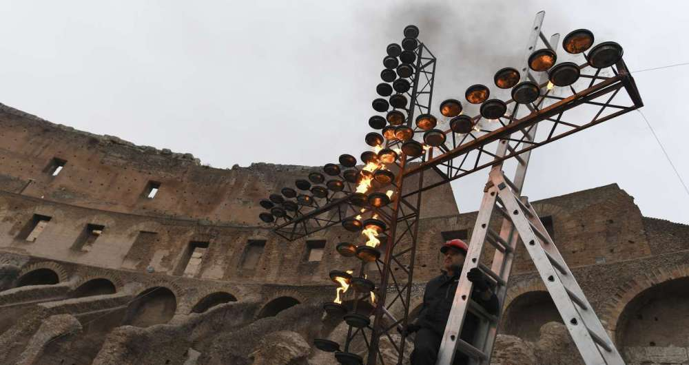 A Via Crucis no Coliseu nesta sexta-feira � noite estar� sob vigil�ncia particular