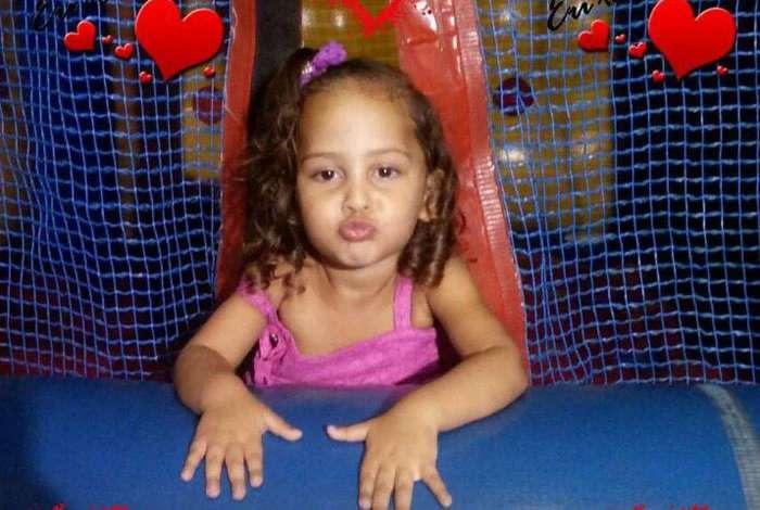 A pequena Brenda Valentina Alves Oliveira Aleixo foi atingida na cabeça