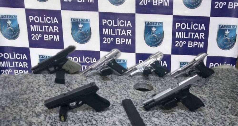 Polícia apreende seis armas em festa em Nova Iguaçu