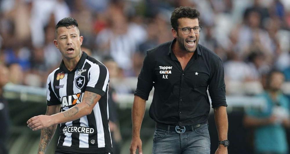 Leo Valencia não gostou de ser substituído