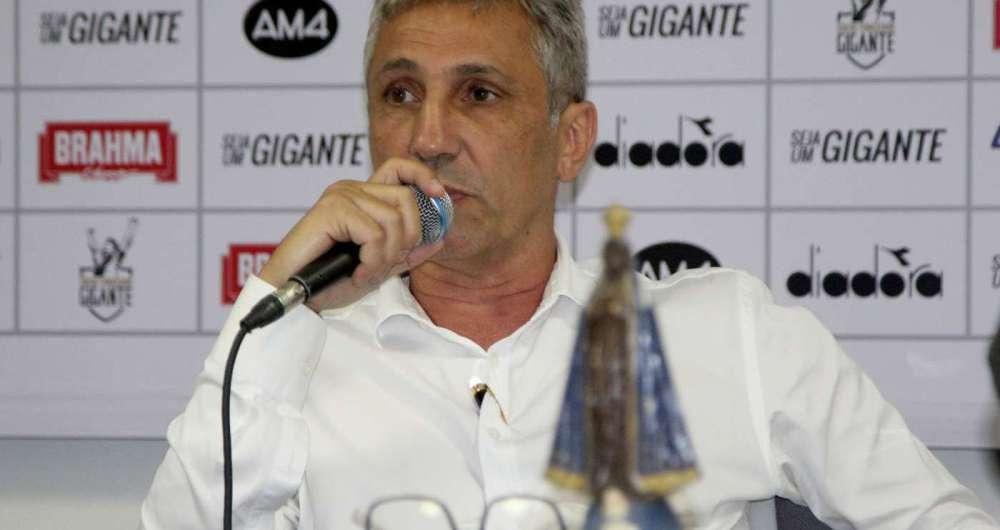 O presidente Alexandre Campello na apresenta  o do s cio-torcedor 3da5a1209acab