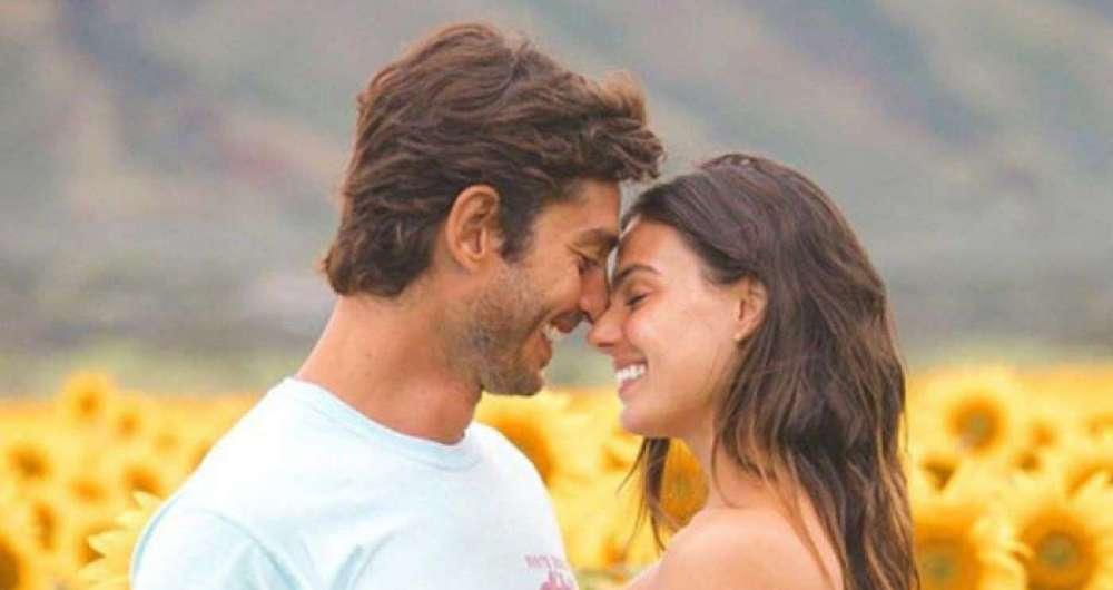 Isis Valverde e namorado, o modelo Andr� Resende