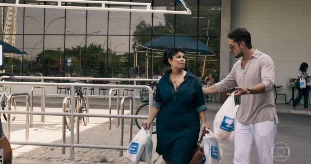 Cena de Janete (Daniela Fontan) com Renato (Rafael Cardoso) de 'O Outro Lado do Para�so'
