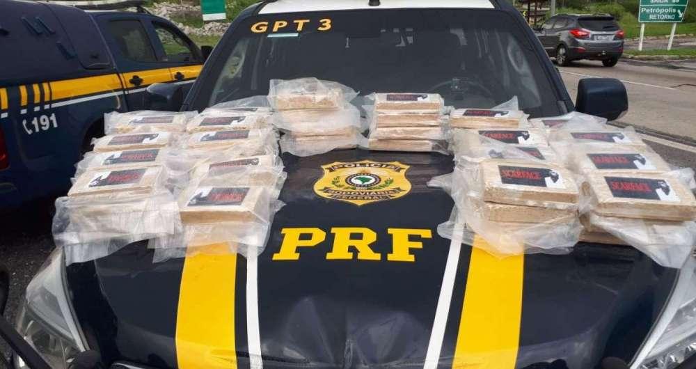 Agentes da PRF apreenderam 60 kg de pasta base de cocaína