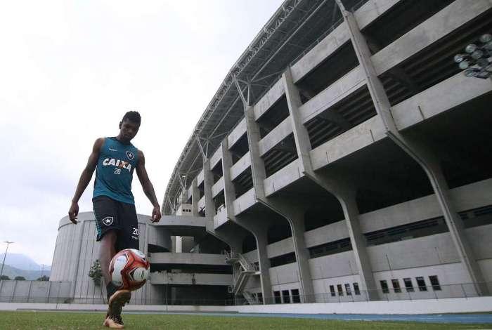 Marcelo destaca qualidade de Lindoso, mas vê o time com boas opções