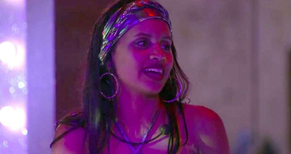 Gleici diz que Ana Clara nunca toma banho depois das festas