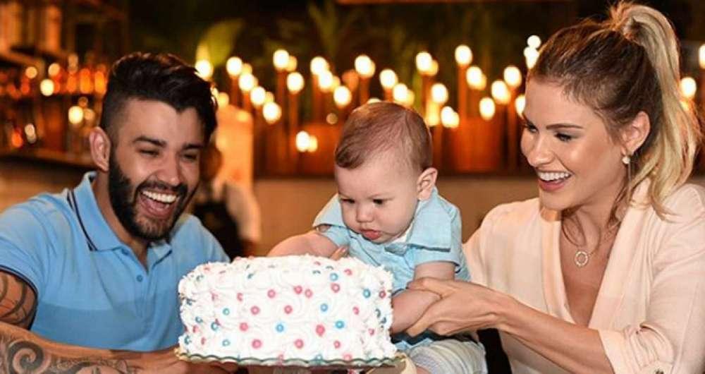 Gusttavo Lima e Andressa Suita j� s�o pais de Gabriel, de 9 meses