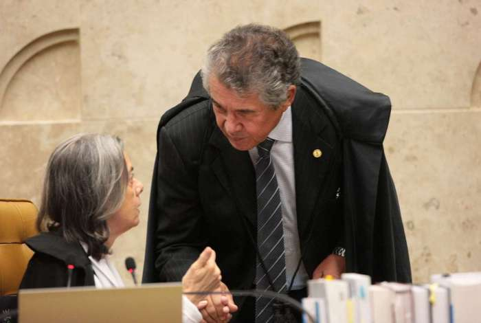 Marco Aurélio defende a prisão apenas com trânsito em julgado; a presidente Cármen é contra a mudança