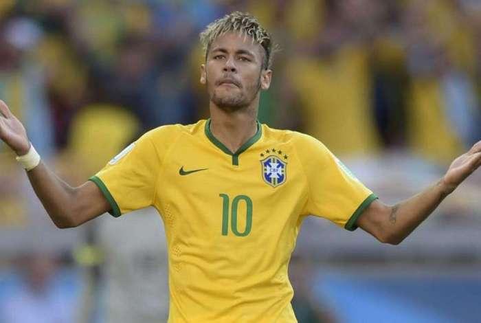 Neymar se recupera de lesão no pé