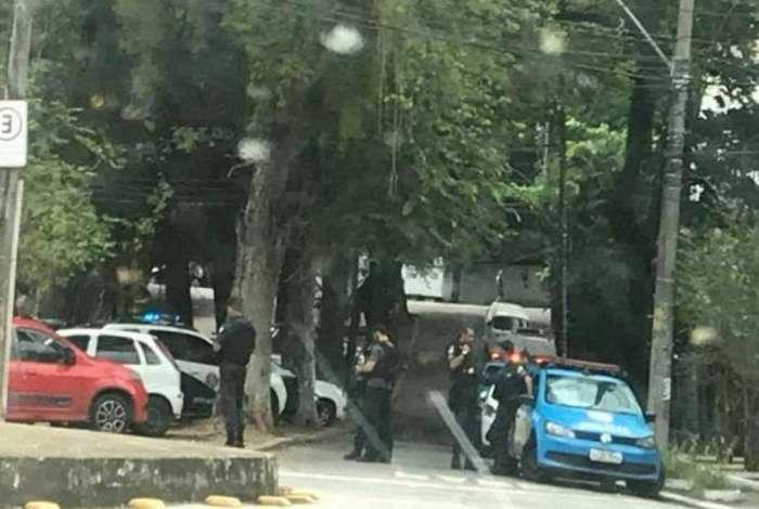 Corpo foi encontrado dentro de carro no Grajaú