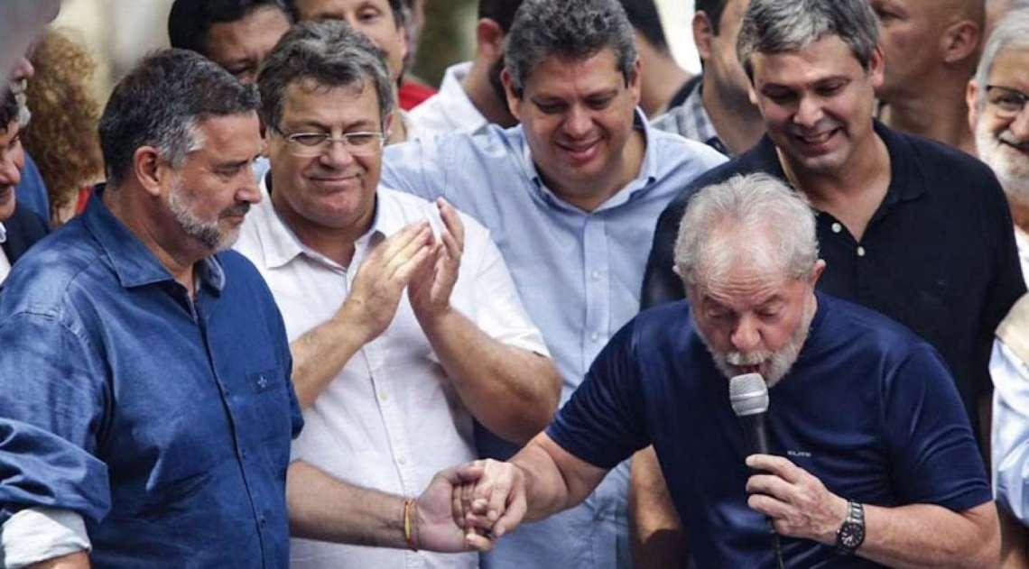 Lula durante discurso no Sindicato dos Metalúrgicos do ABC